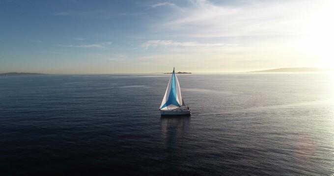 Rental yacht Sanxenxo - Bavaria 32 Cruiser on SamBoat