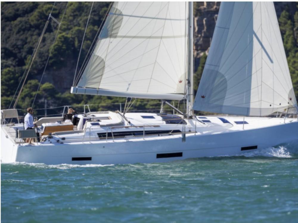 Boat rental Palma cheap Dufour 430