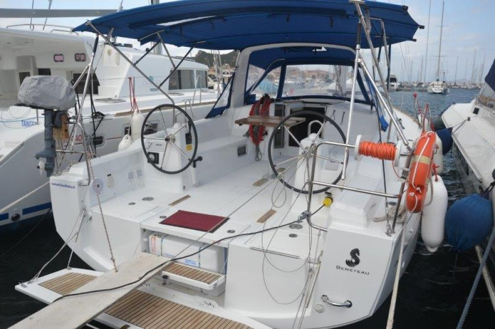 Sailboat for rent Cannigione at the best price