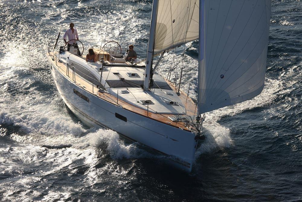 Boat rental Jeanneau Jeanneau 53 6c in Laurium on Samboat