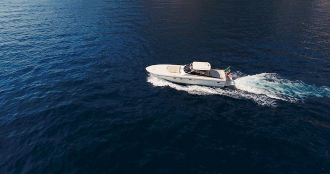 Boat rental Positano cheap Itama 50