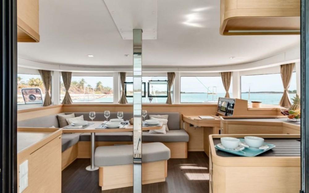 Rental yacht  - Lagoon Catamaran Lagoon 42 on SamBoat