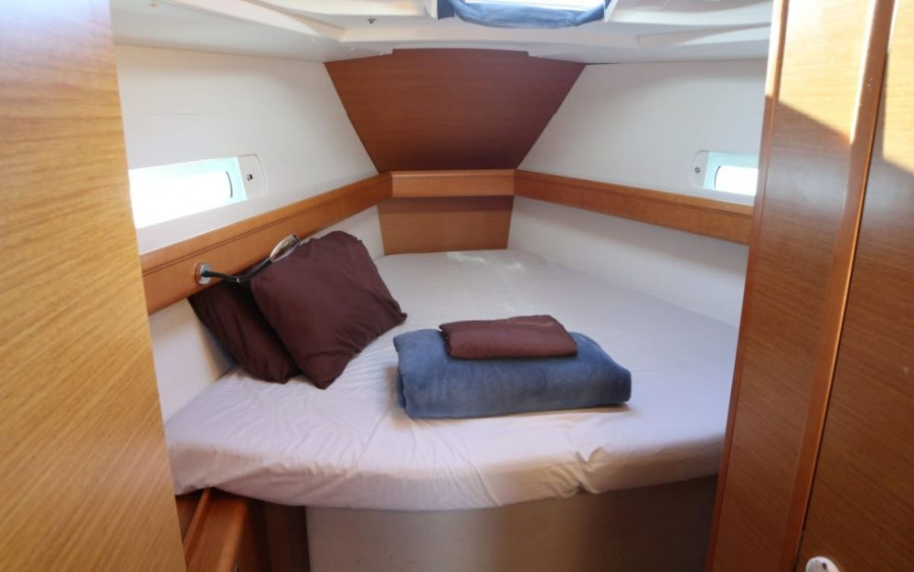Rental Sailboat in New York - Jeanneau Sun Odyssey 419