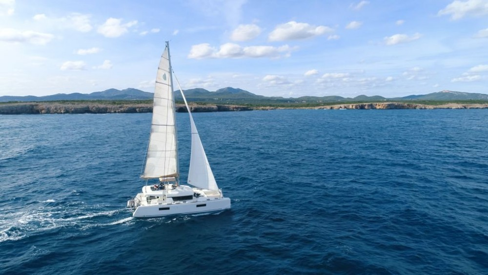 Hire Catamaran with or without skipper Lagoon Nápoles