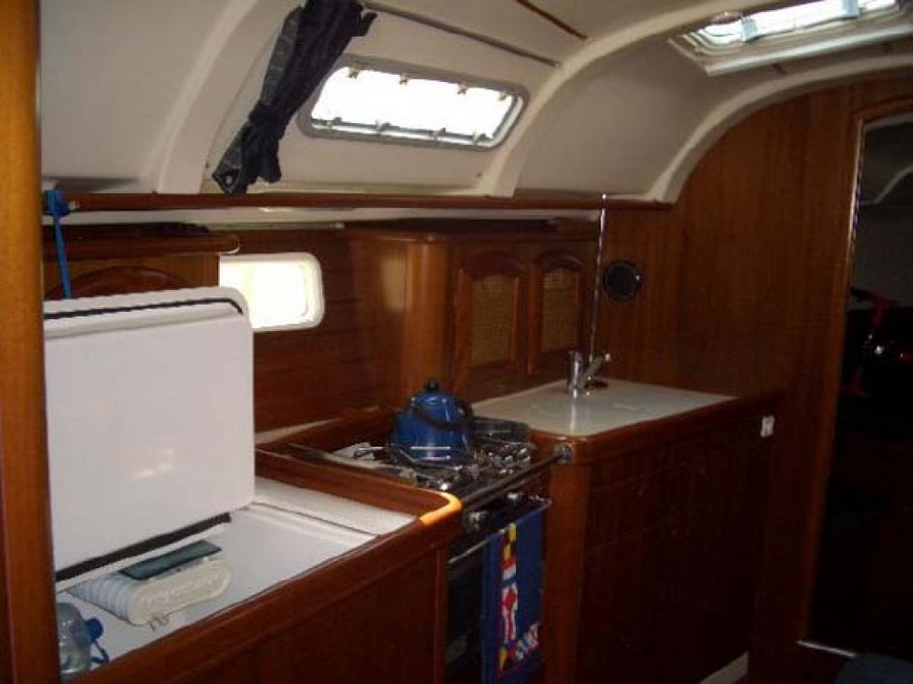 Boat rental Rouses Point cheap Oceanis 381