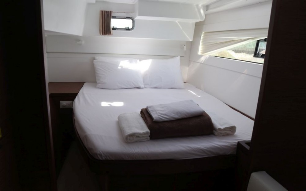 Rental yacht  - Lagoon Catamaran Lagoon 40 on SamBoat