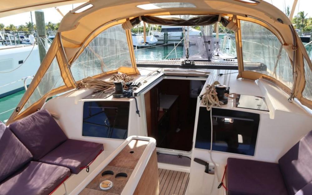 Boat rental Dufour Dufour 382 Grand Large in Newport on Samboat