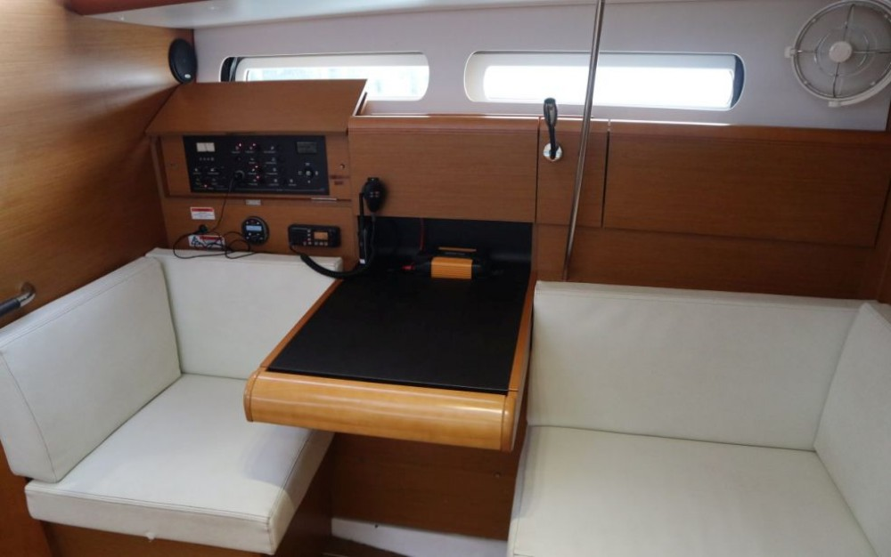 Rental Sailboat in Rouses Point - Jeanneau Sun Odyssey 409