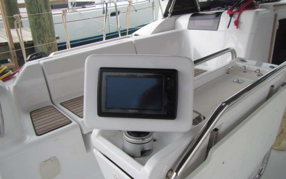 Hire Sailboat with or without skipper Jeanneau Rouses Point