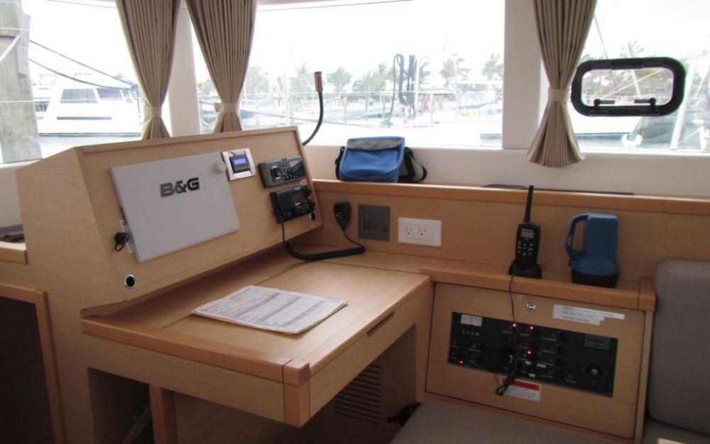 Rental Catamaran in Rouses Point - Lagoon Lagoon 39