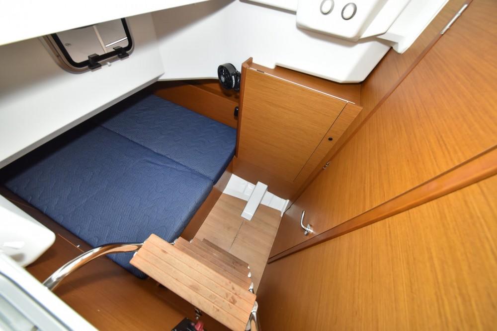 Boat rental Jeanneau Sun Loft 47 - 6+1 cab. in Grad Zadar on Samboat