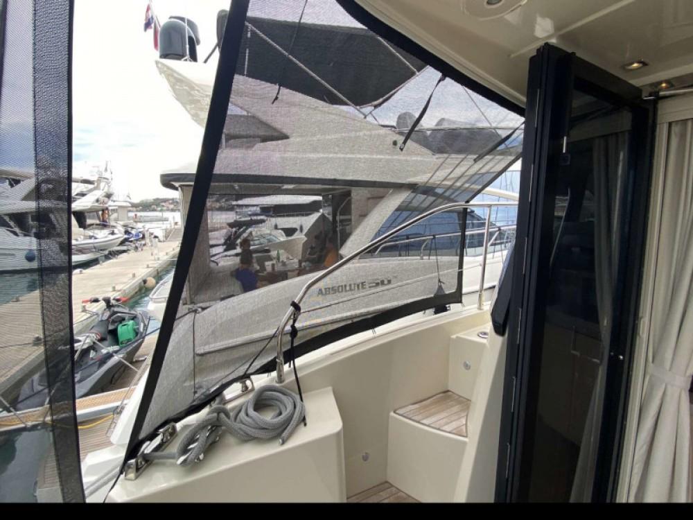 Boat rental Bénéteau Monte Carlo 5 in Trogir on Samboat