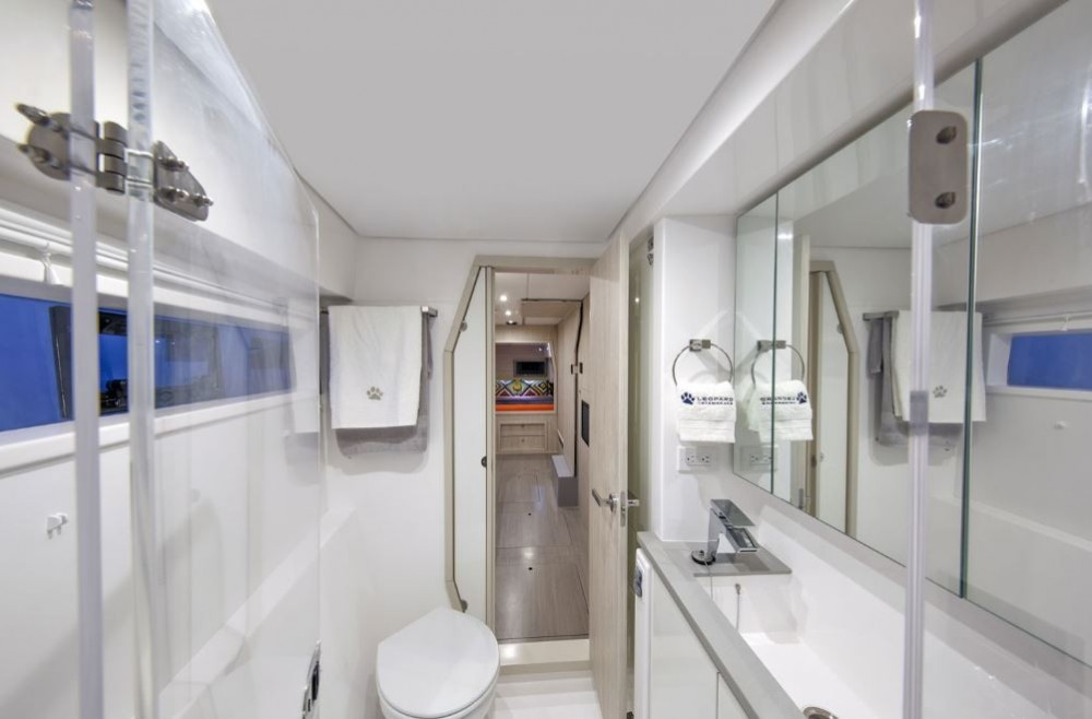 Rental yacht Key West - Robertson-Caine Moorings 4000 on SamBoat