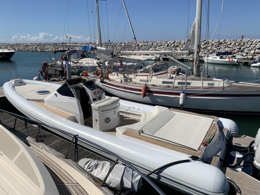 Boat rental San Vincenzo cheap MX 11