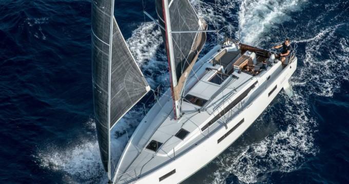 Rental yacht Tropea - Jeanneau Sun Odyssey 410 Performance on SamBoat