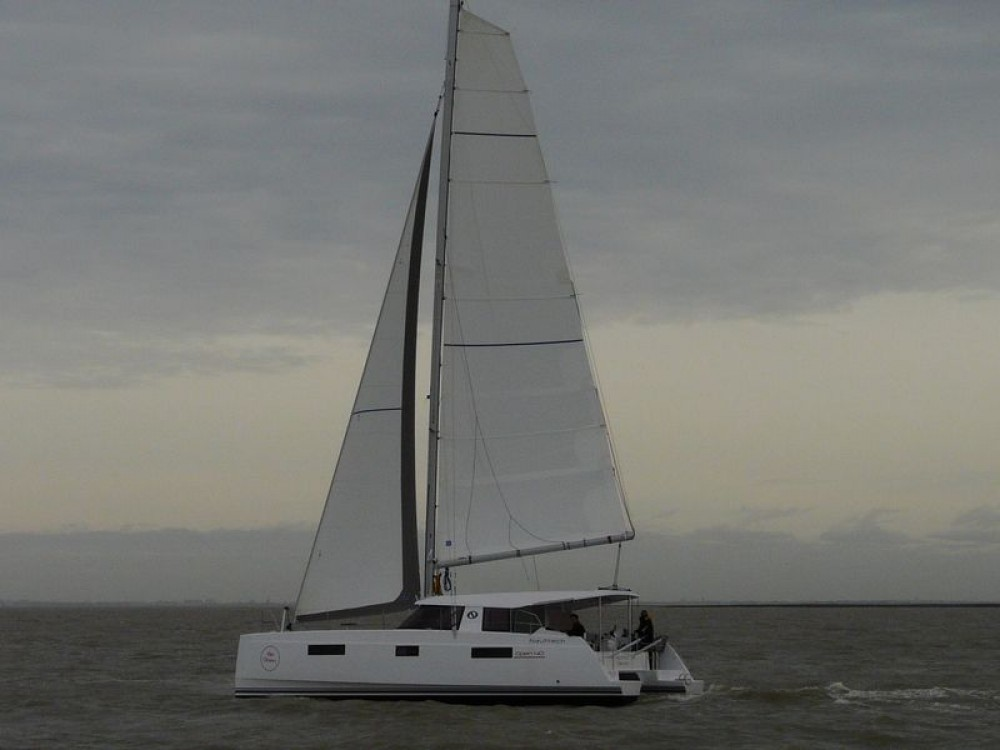 Boat rental NAUTITECH CATAMARANS Nautitech Open 40 in Saint-Mandrier-sur-Mer on Samboat