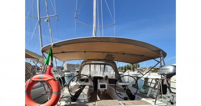 Sailboat for rent Porto di Balestrate at the best price
