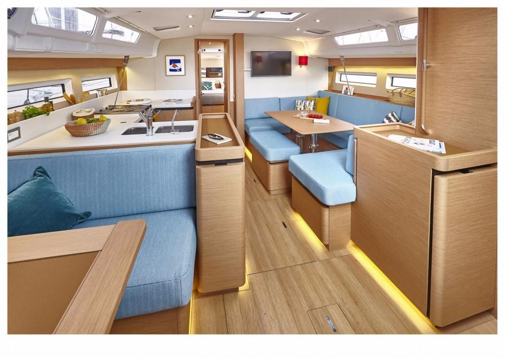 Rental Sailboat in Greece - Jeanneau Sun Odyssey 490