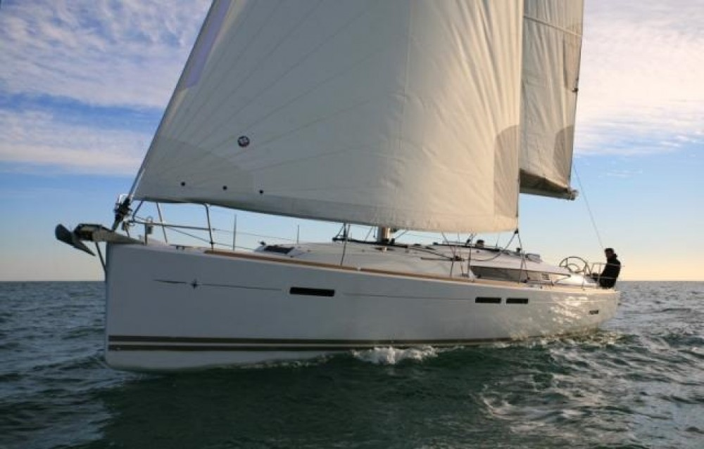 Jeanneau Sun Odyssey 439 between personal and professional Athens