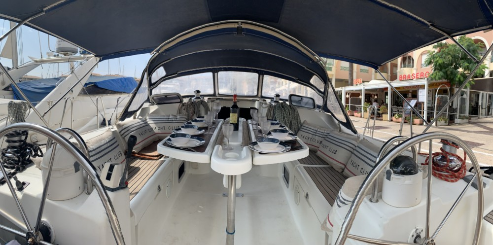 Boat rental Bénéteau Oceanis 473 in Fréjus on Samboat