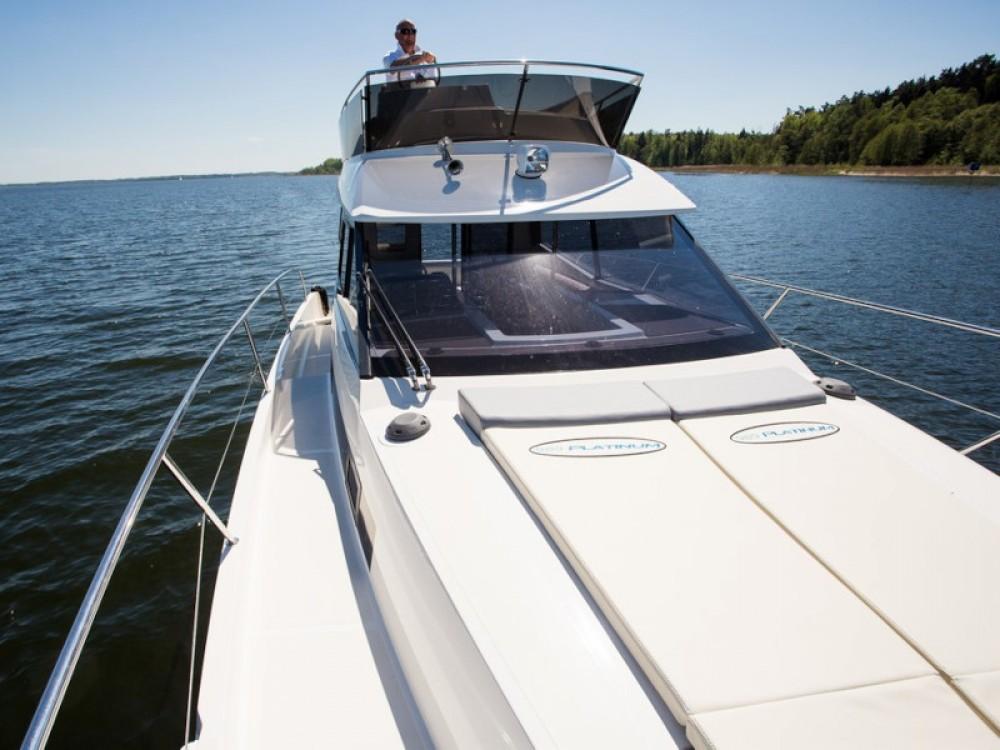 Boat rental Delphia Platinum 989 in Wilkasy on Samboat