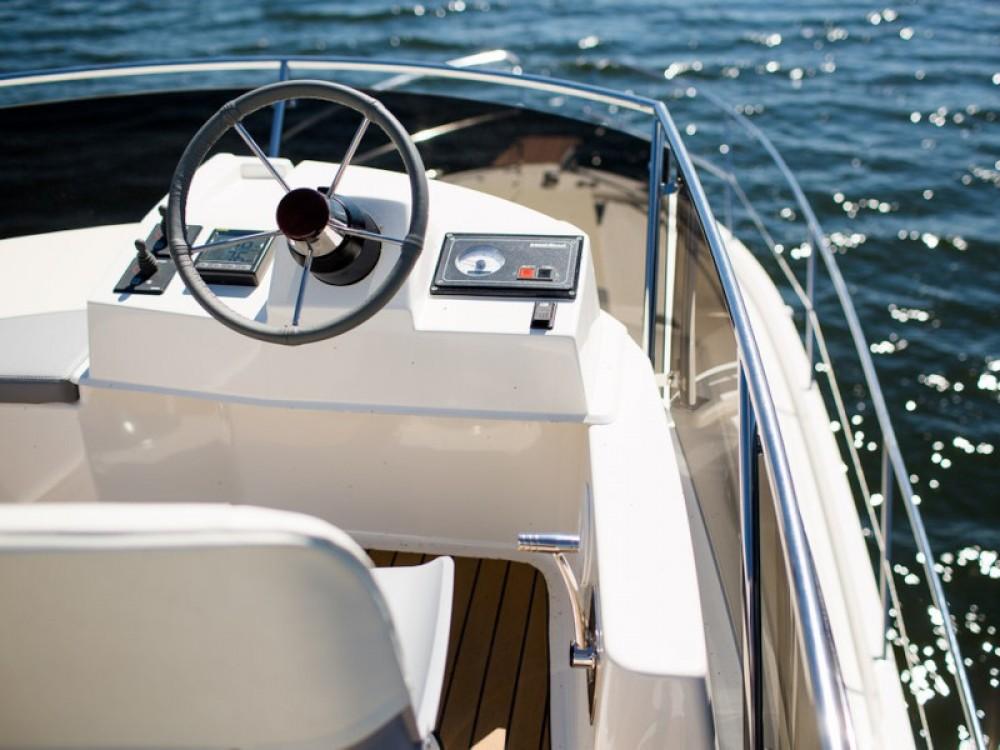 Rental Motorboat Delphia with a permit