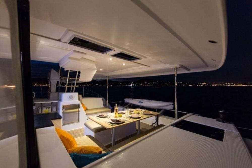 Rental yacht US Virgin Islands - Fountaine Pajot Helia 44 on SamBoat