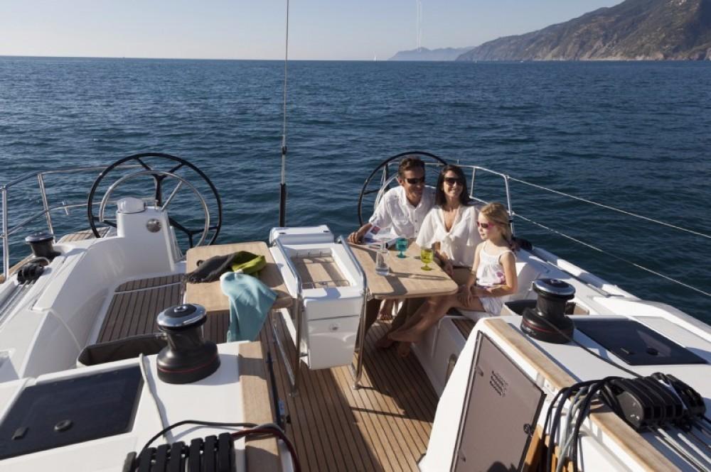 Rental Sailboat in Cos - Jeanneau Sun Odyssey 47