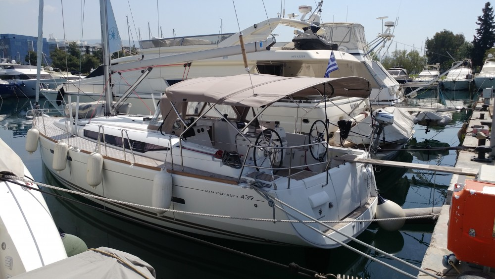 Rental yacht Álimos - Jeanneau Sun Odyssey 439 on SamBoat