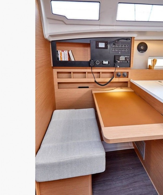 Jeanneau Sun Odyssey 410 - 3 cab. between personal and professional Lefkada