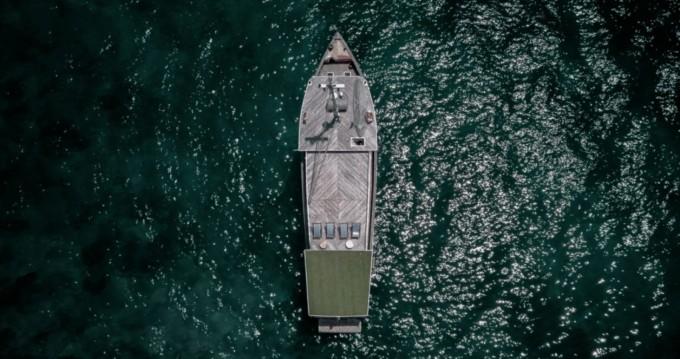 Rental Yacht in Labuhanbajo - phinisi Classic 1920 American pleasure boat