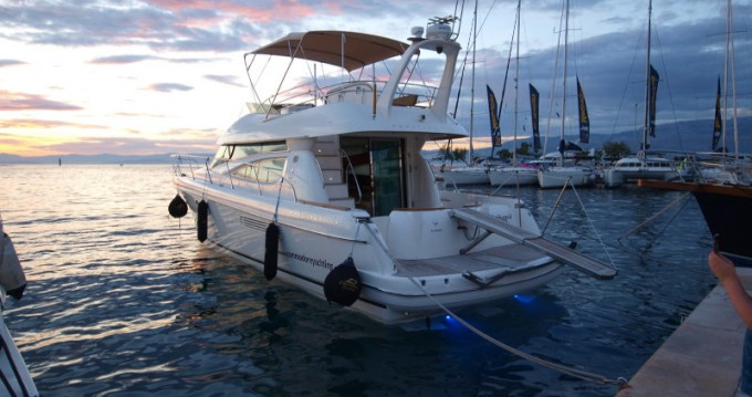 Rental Motorboat in Split - Jeanneau Jeanneau Prestige 46 Fly
