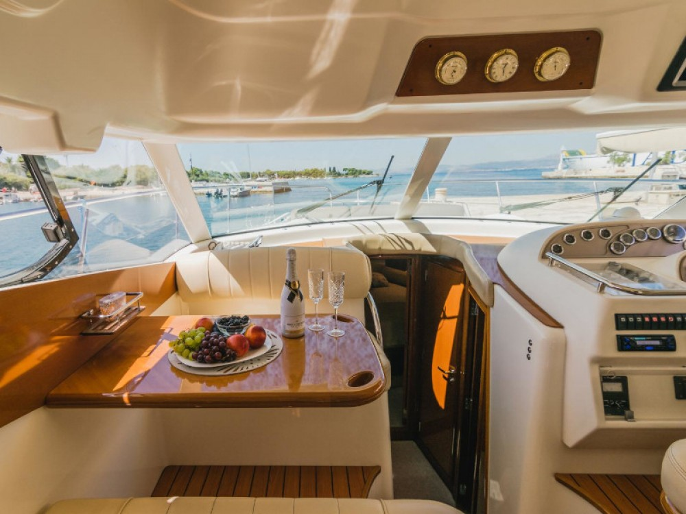 Rental yacht Split - Jeanneau Jeanneau Prestige 46 Fly on SamBoat