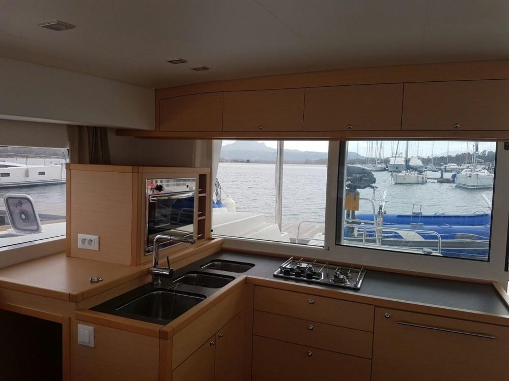 Rental yacht Cannigione - Lagoon Lagoon 400 S2 on SamBoat