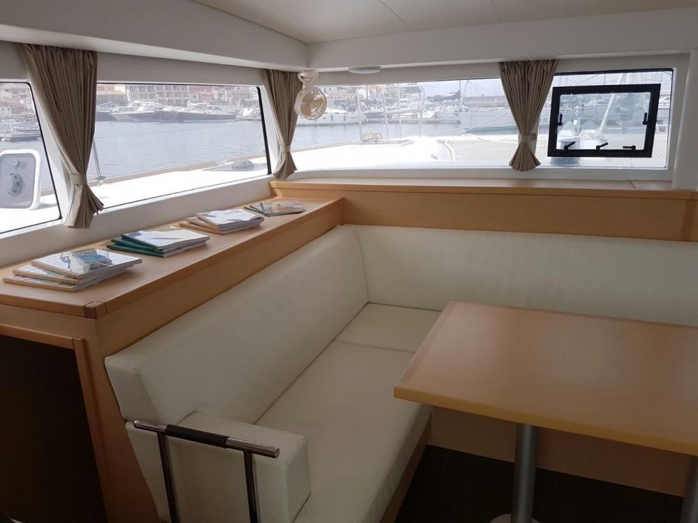 Rental Catamaran in Cannigione - Lagoon Lagoon 400 S2
