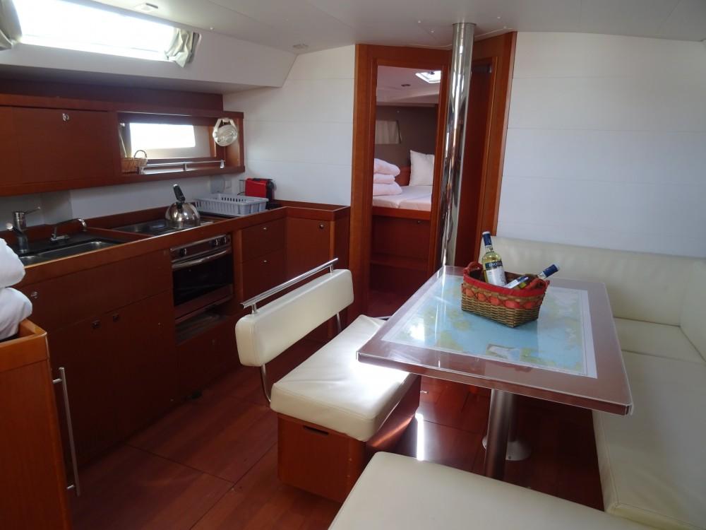 Boat rental Álimos cheap Oceanis 45