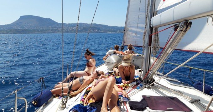Boat rental Dufour Gibsea 43 in Chania on Samboat