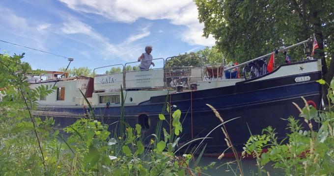 Rental Canal boat Alphen aan den Reijn with a permit