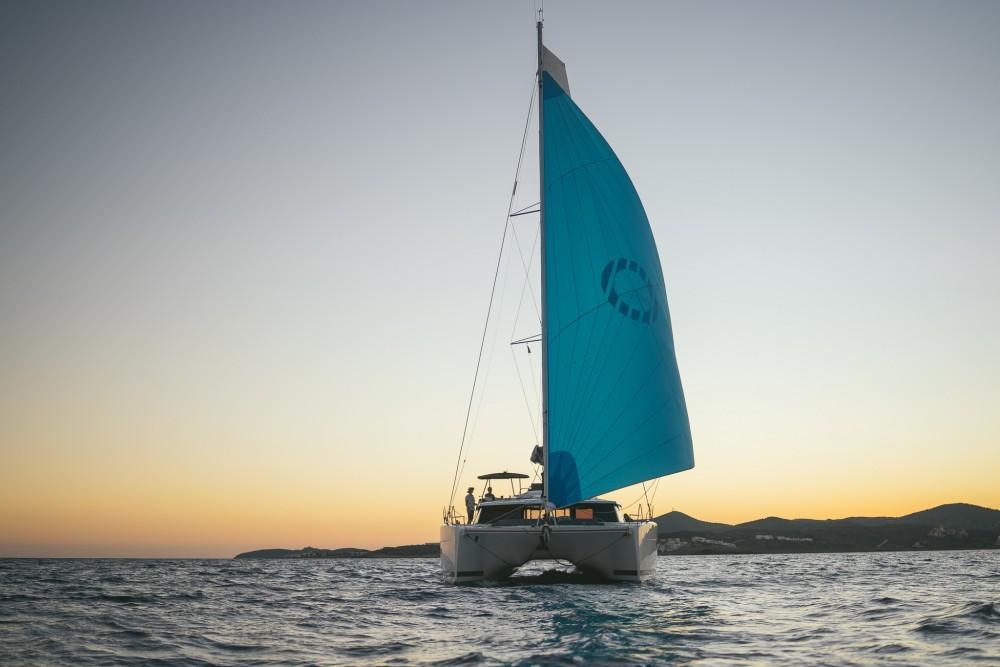 Rental Catamaran in Peloponnese - Fountaine Pajot Fountaine Pajot Saona 47 (Quintet) - 5 + 1 cab.