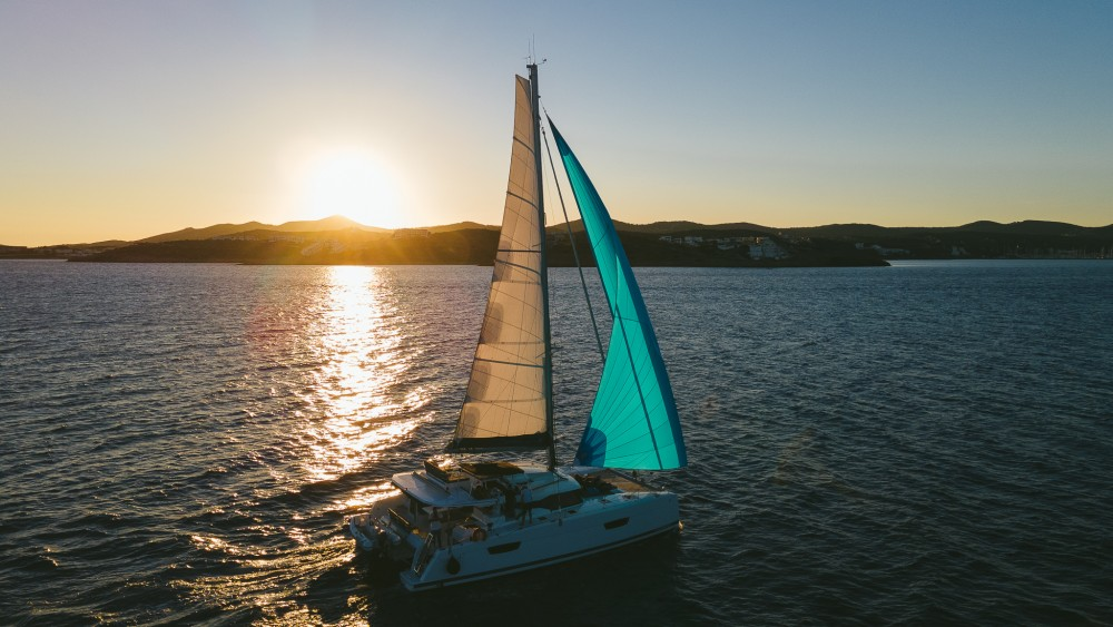 Boat rental Fountaine Pajot Fountaine Pajot Saona 47 (Quintet) - 5 + 1 cab. in Peloponnese on Samboat