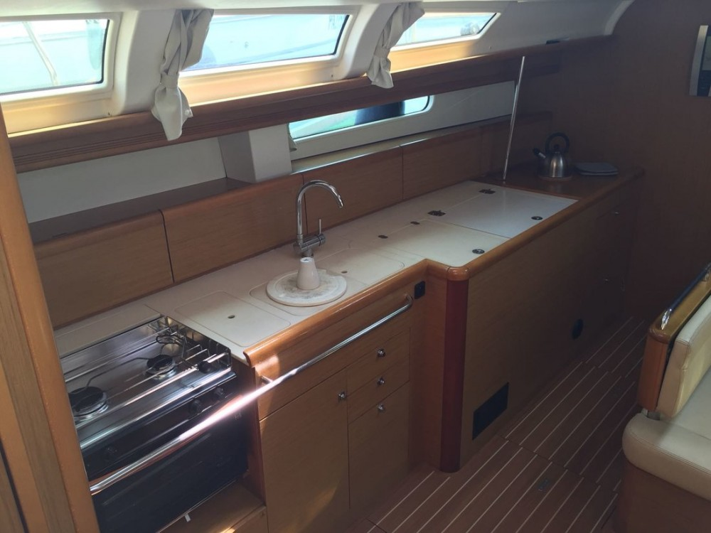 Jeanneau Sun Odyssey 49i between personal and professional Campania