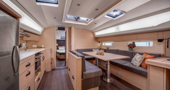 Jeanneau Jeanneau 54 - 5 + 1 cab. between personal and professional Tortola