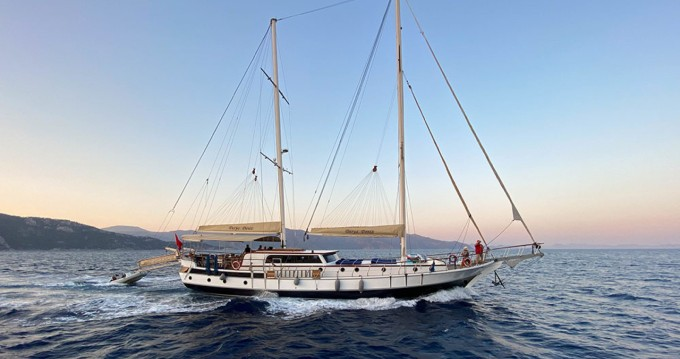Custom Made Deluxe Gulet between personal and professional Marmaris