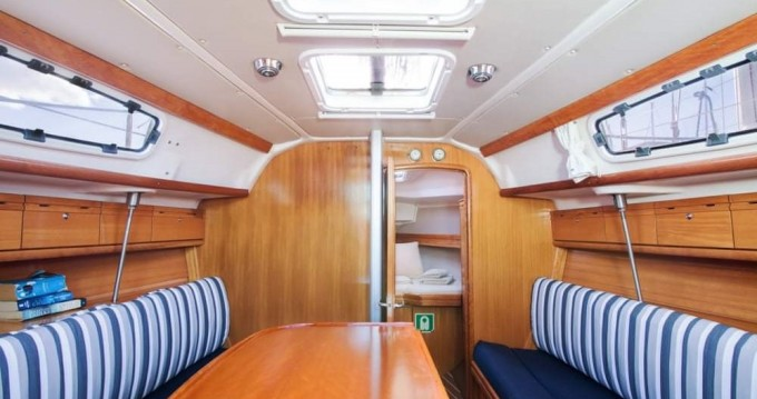 Boat rental Bavaria Bavaria 31 Cruiser in Gouvia on Samboat
