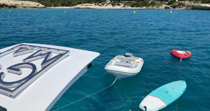 Boat rental Saint-Tropez cheap 23