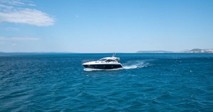 Rental Motorboat in Podstrana - Sessa Marine Sessa C35