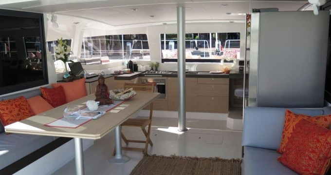 Rental Catamaran in Airlie Beach - Catana Bali 4.3