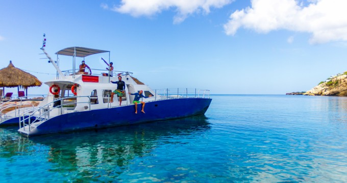 Rental Catamaran in Willemstad - Brooks Marine Dive Cat
