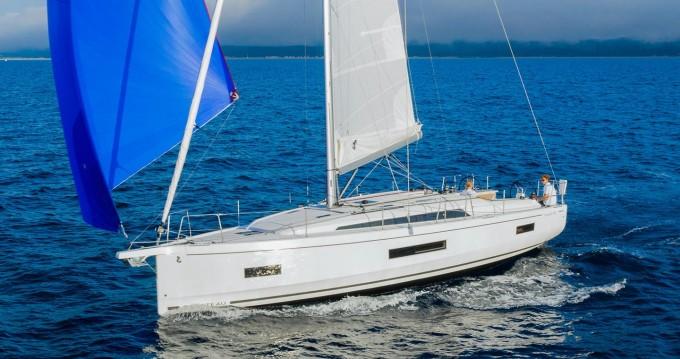 Boat rental Lávrio cheap Oceanis 40.1