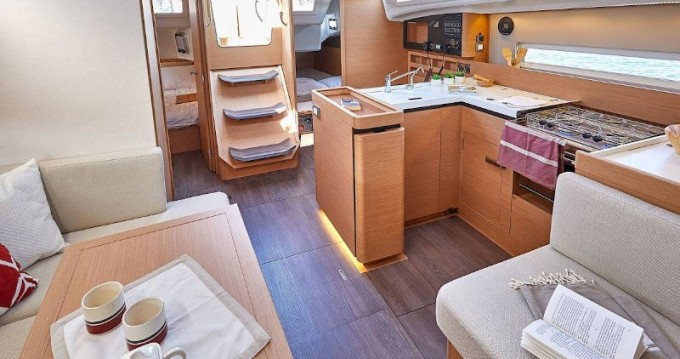 Jeanneau Sunsail 41.0 between personal and professional Road Town